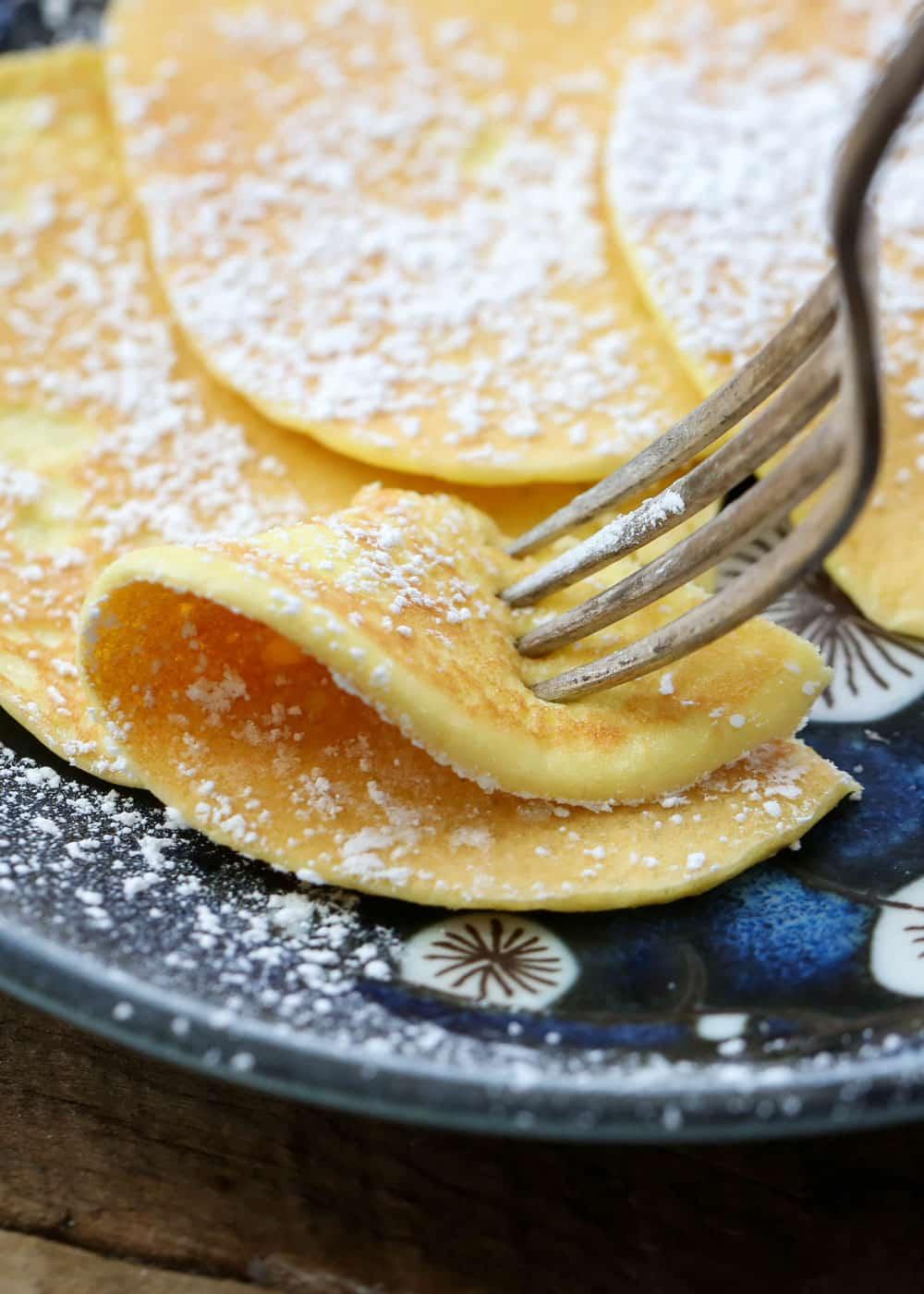 2-Ingredient Cream Cheese Pancakes