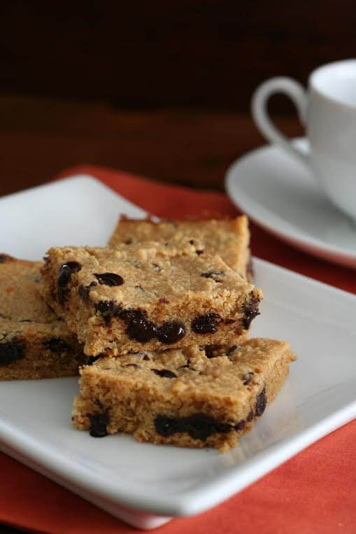 Keto Peanut Butter and Chocolate Chip Blondies